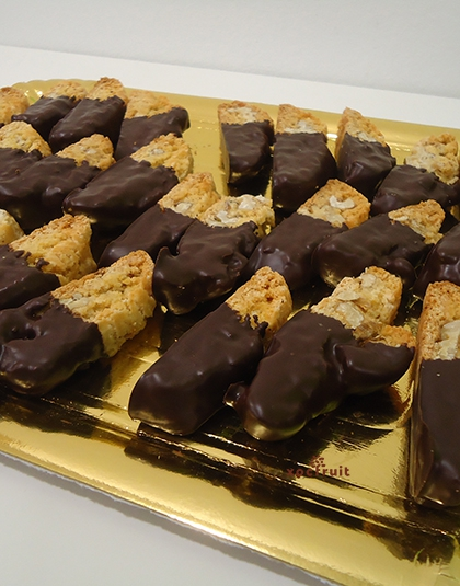 Carquiñoles de nueces con chocolate